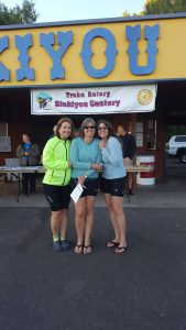 Melanie Zelwick with Sharla Gibson (right) in Siskiyou County, California